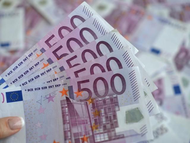 Bei finanzieller Vorsorge steigen Aktien und Fonds in der Gunst