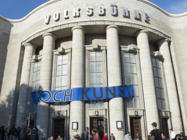 Theater: Künstlerkollektiv besetzt Volksbühne