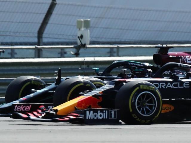Nach Crash mit Verstappen: Keine weitere Strafe für Hamilton