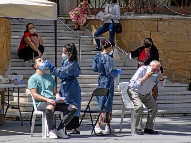 Corona-Pandemie: Steigende Infektionszahlen: Kann ich meinen Urlaub absagen?