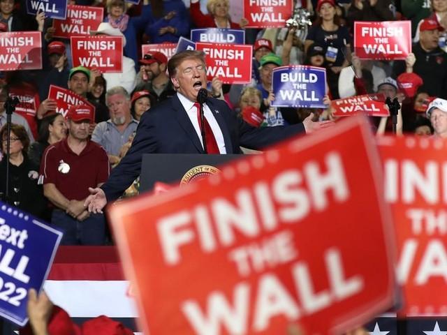 """Trump gibt sich im Budgetstreit trotzig: """"Baue Mauer sowieso"""""""
