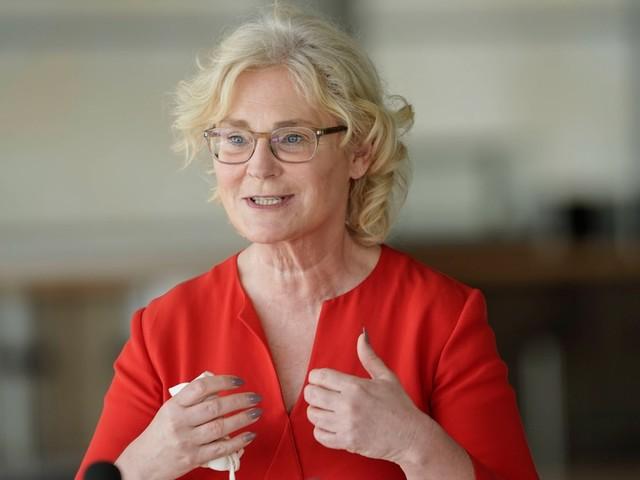 Weniger Erleichterungen für Ungeimpfte: Lambrecht lehnt Brauns Vorschlag ab