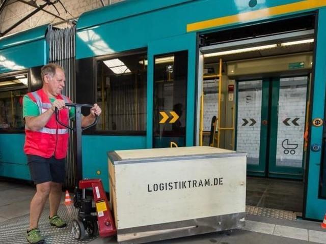 Studie: Paketlieferungen per Tram teuer, aber besser