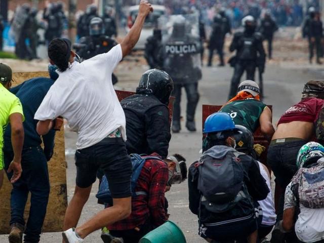 Junge Kolumbianer gehen auf die Barrikaden