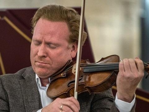 Hope@Home: Daniel Hope startet Wohnzimmerkonzerte mit Bach und Schubert
