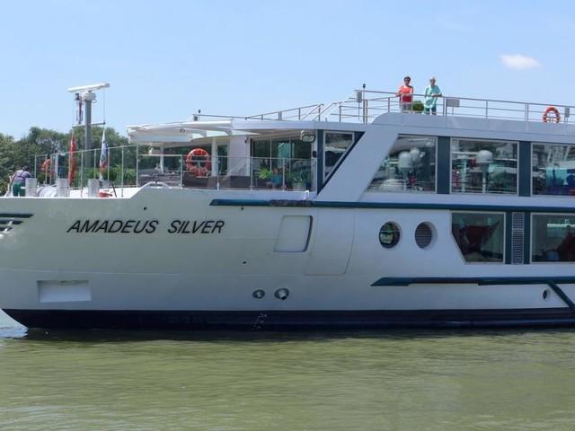 """Kreuzfahrtschiffe auf der Donau: """"Situation bedarf einer Regelung"""""""
