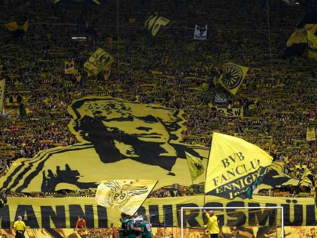 Hoher Auftaktsieg gegen Augsburg: BVB stürmt nach Stolperstart an die Spitze