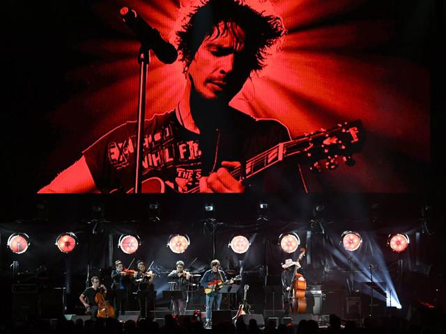 Foo Fighters, Metallica und Co. huldigen verstorbenem Chris Cornell mit fünfstündigem Tribute-Konzert