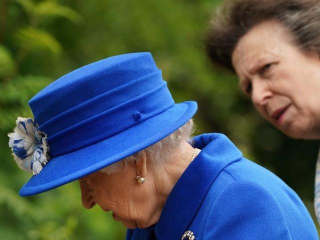 """Prinzessin Annes eindeutige Meinung zum """"Harry-und-Meghan-Drama"""""""