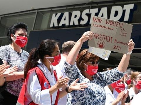 Frankfurt: Demo für Erhalt von Karstadt-Filiale
