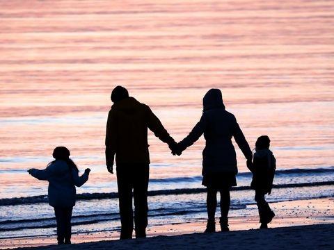 Umfrage: Mehrheit der jungen Deutschen möchte Ehe und Kinder