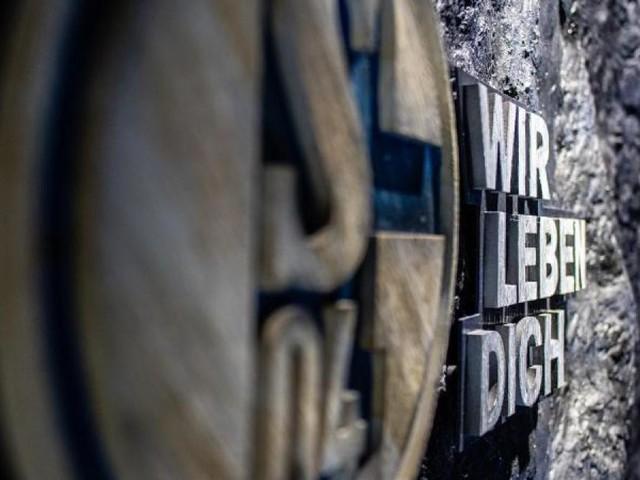 Schalke wählt Aufsichtsrat - Ovationen bei Stevens-Abschied