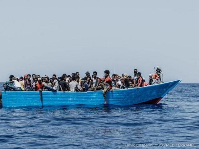 Seenotrettung: Hunderte Migranten im zentralen Mittelmeer gerettet
