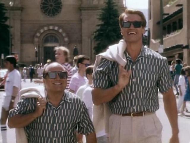 Filme mit Arnie: Schwarzenegger als Comedy-Zwilling in TWINS (1988)
