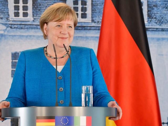 """Psychologe: """"Merkel ist wieder der nationale Schutzengel"""""""