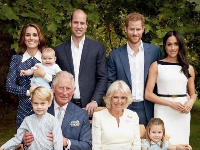 Prinz William, Herzogin Catherine & Co. : Neues Foto! Hier strahlen die Royals um die Wette