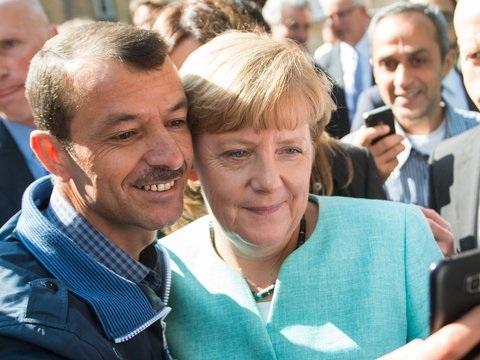 Anträge unzulässig: AfD scheitert mit Klage gegen Merkels Flüchtlingspolitik
