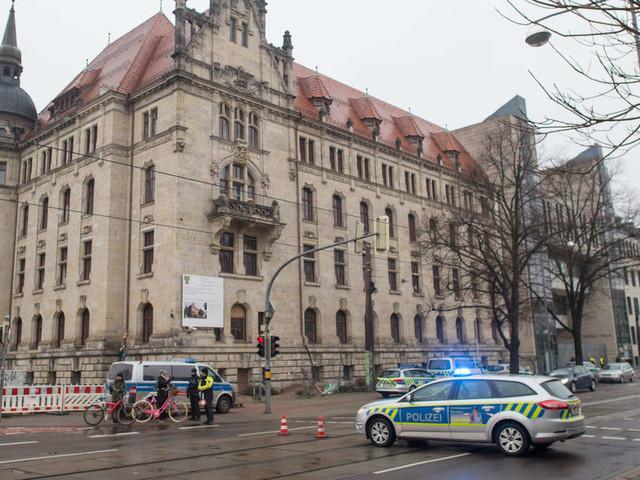 Bombendrohungen gegen mehrere Landgerichte - Lage ist unklar
