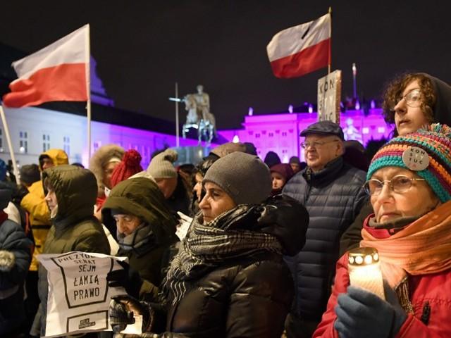 So drangsaliert Polens Regierung die Justiz