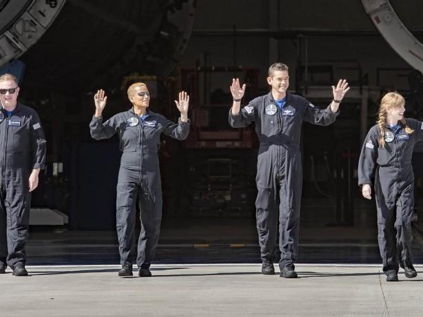 Touristen im All mit SpaceX: Wer sind diese 4 Personen?