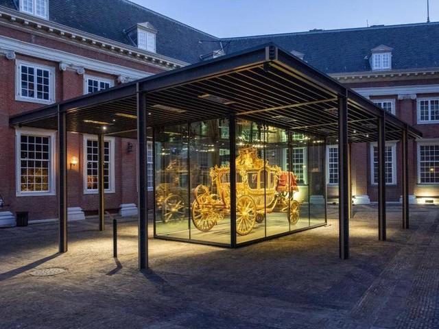 Amsterdam: Die schwarze Seite der Goldenen Kutsche