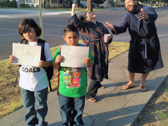 Die Schulferien sind vorbei und Eltern freuen sich, ihre Kinder endlich wieder wegschicken zu können