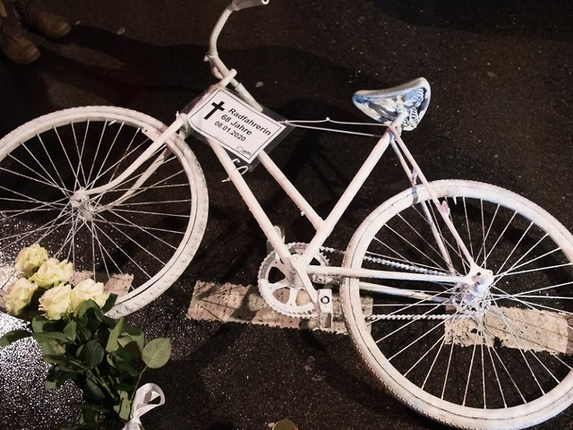 Unfälle mit Radfahrern vermeiden: Gilt bald in jeder Stadt Tempo 30?