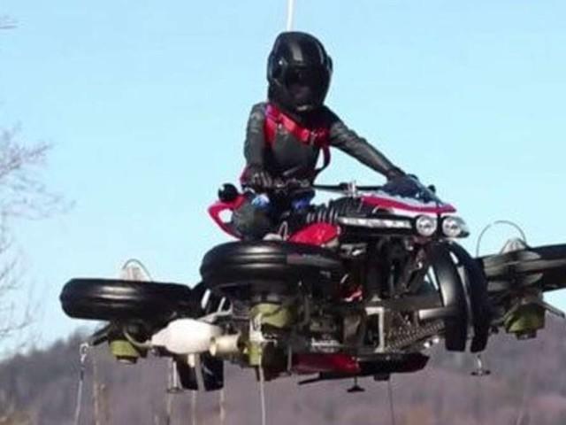 Dieses Motorrad kann wirklich fliegen - kostet aber ein Vermögen