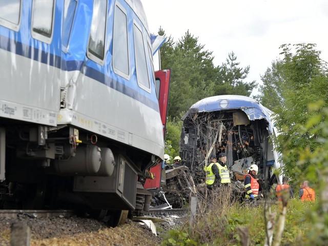 Nahe der deutschen Grenze – Tote und Verletzte nach Zugzusammenstoß