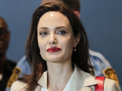 """Thema: Migration: Angelina Jolie schreibt künftig für """"Time"""""""