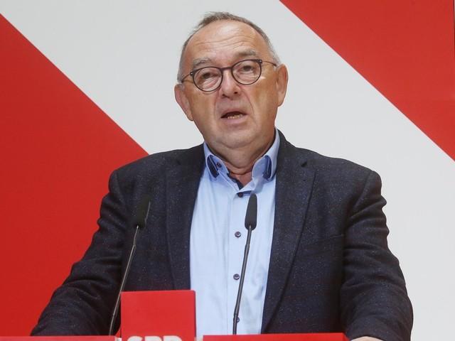 Politik-News: Grüne stimmen über Aufnahme von Koalitionsverhandlungen ab +++ SPD bekräftigt Anspruch auf Amt des Bundestagspräsidenten