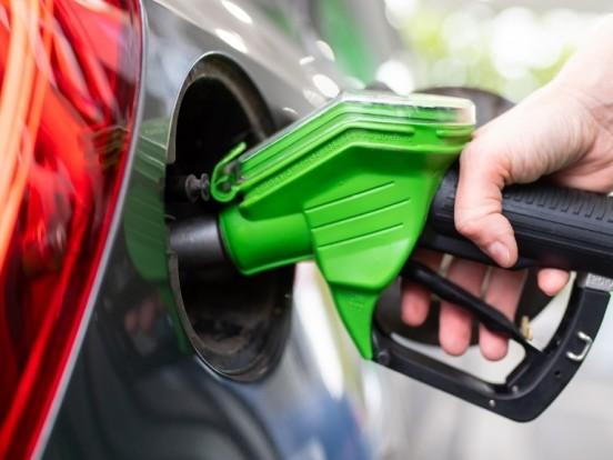 Benzinpreise: Preisexplosion an der Tankstelle! SO teuer wird es jetzt für Autofahrer