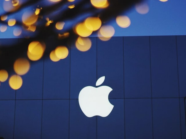 Aktie gibt dennoch nach - Gewinn fast verdoppelt: Apple-Geschäft boomt - angeführt vom iPhone