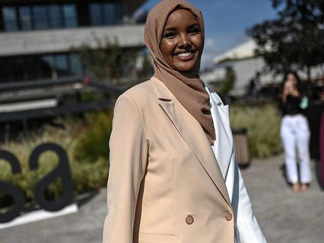 """""""Die Spielregeln ändern"""": Supermodel Halima Aden wird Modest Fashion-Designerin"""