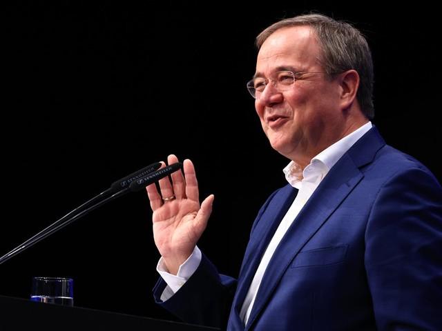 Sondierungs-News: Laschet weist Merz-Kritik zur Union zurück +++ Neubauer enttäuscht von Ampel-Sondierungspapier