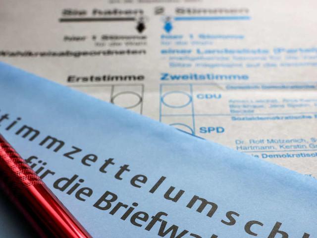 Bundestagswahl 2021: Warum passt der Stimmzettel oft nicht in den Umschlag?