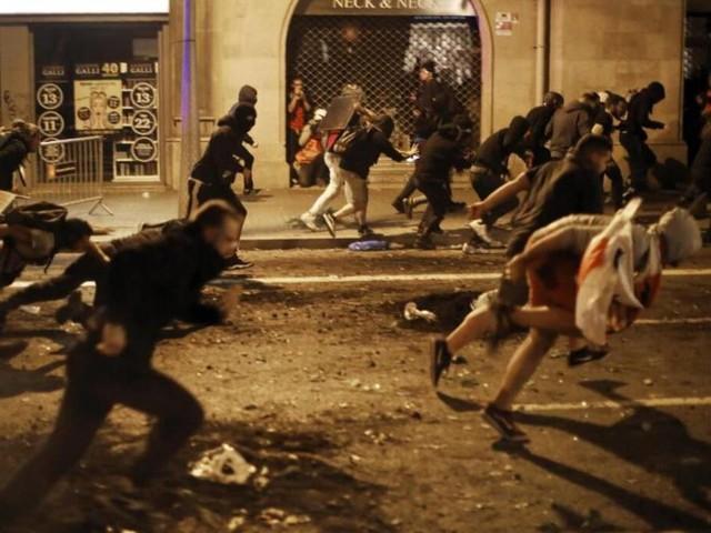 Generalstreik in Katalonien: Flugausfälle und blockierte Straßen in Barcelona
