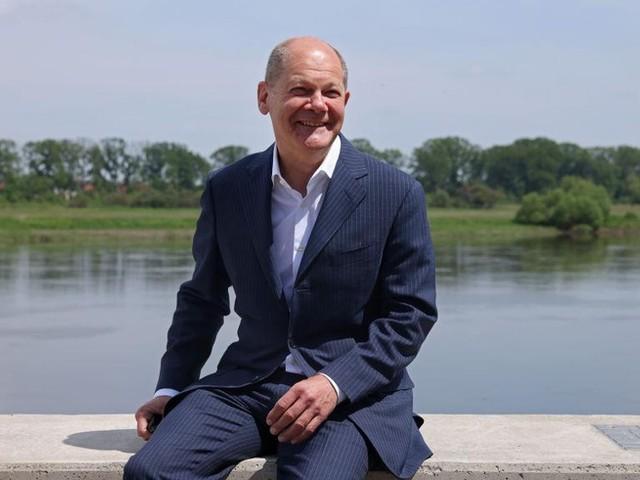 Mr. Teflon: Nach der Maskenaffäre und Baerbocks Patzern ist Olaf Scholz im Aufwind
