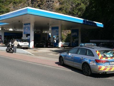 Augenzeugen sahen tödlichen Schuss in Tankstelle
