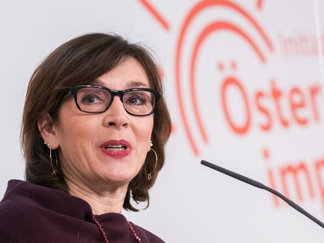 Astra Zeneca: Leiterin von Impfgremium gegen Impfstopp