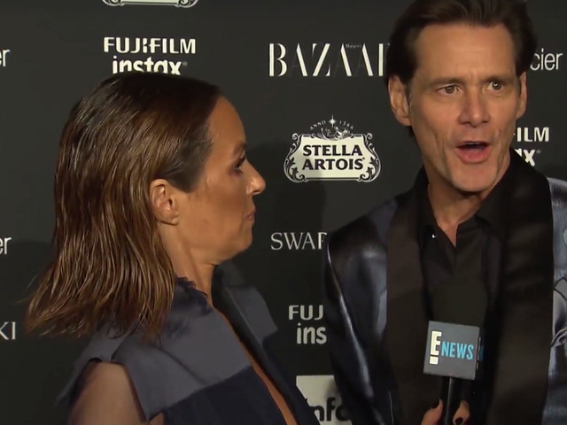 Jim Carrey existiert gar nicht, sagt Jim Carrey auf der Fashion Week in New York