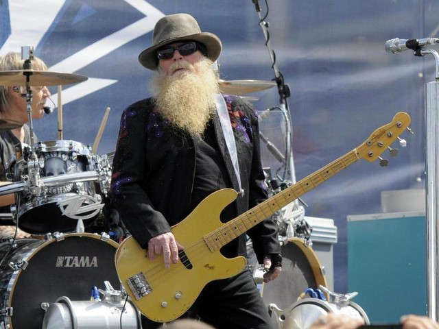 "Rockband: ""Ein wahrer Rocker"": ZZ Top-Bassist Dusty Hill gestorben"