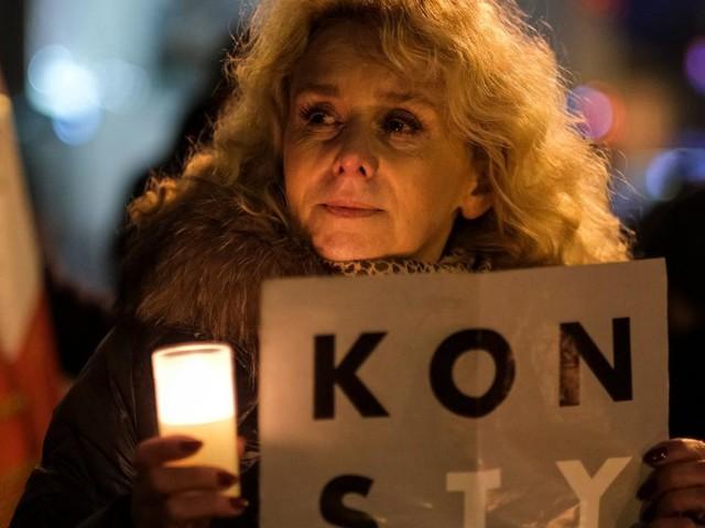 """Polen: Repressionen gegen Richter und Sorge vor einem """"Polexit"""""""