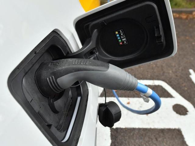 Ist die Klimabilanz von E-Autos überhaupt besser?