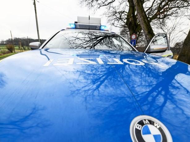 Diebstahl: Rees: Scheibe eingeworfen und Tresor in Haffen ausgeräumt