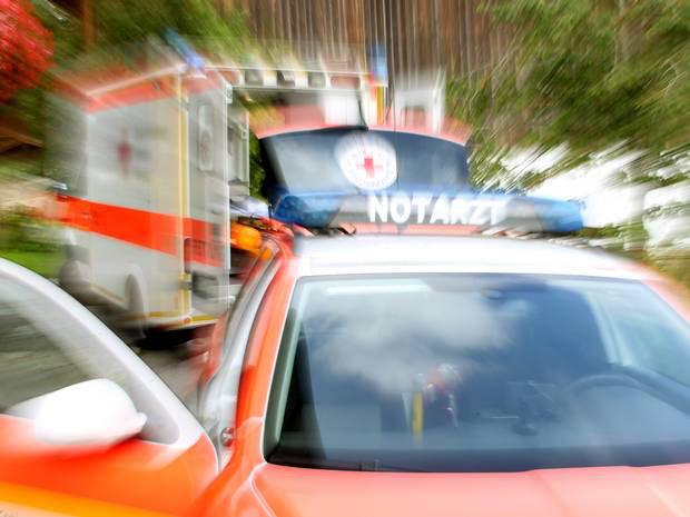 Mehrere Verletzte: Auto fährt in Rosenmontagszug in Hessen