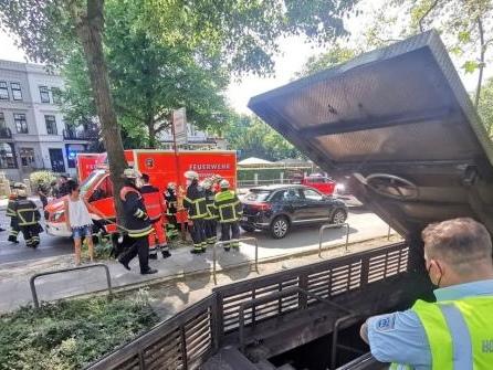 U-Bahn fährt im Tunnel gegen Bohrer: Drei Leichtverletzte