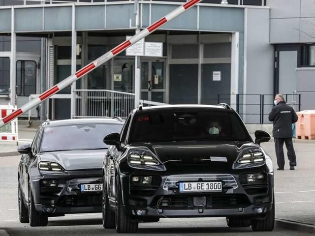 Porsche lässt neues E-Auto getarnt auf den Straßen fahren