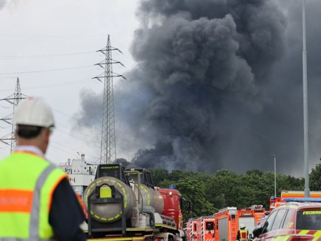 Unfälle : Explosion in Leverkusener Chemiebetrieb