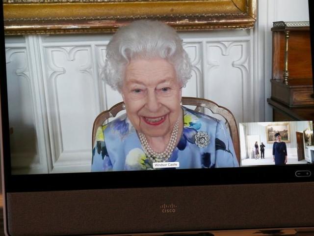 Queen zeigt sich bei erstem Termin nach Trauerphase